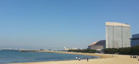 ドームと飛行機
