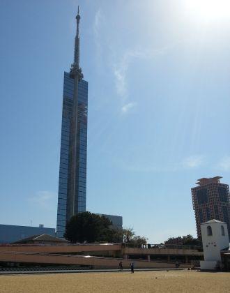 砂浜からのタワー