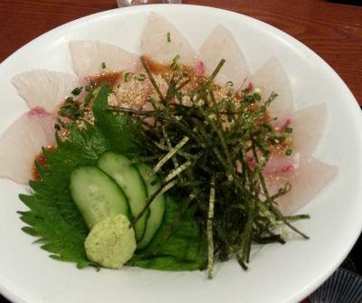 筑紫口でごまカンパチ丼を食べる